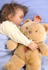 Ôm gấu yêu thật là thích :x